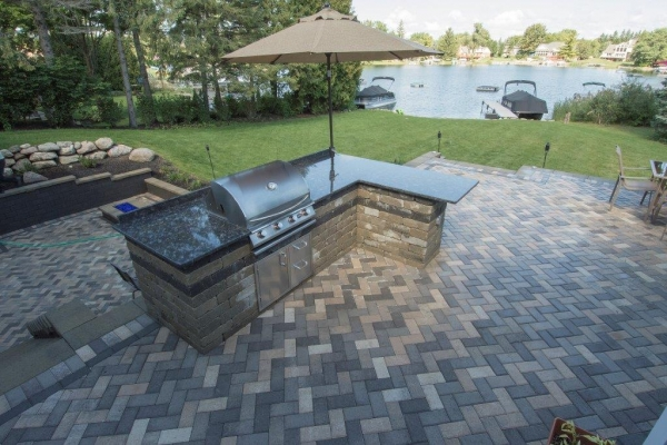 Landscaping Design Milford MI - Outdoor Kitchens, Patios, Brick Pavers - Earth Concepts Contracting - FKP_2854Wildwood5X7_3479